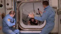 첫 민간 유인우주선 '크루 드래건'이 우주정거장에