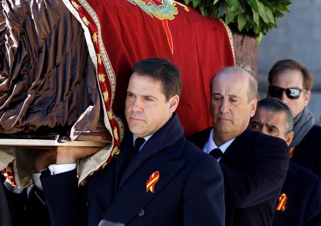 Luis Alfonso de Borbon, Francisco Martinez Bordiu (Francis Franco) y Jaime Martinez Bordiu durante la...