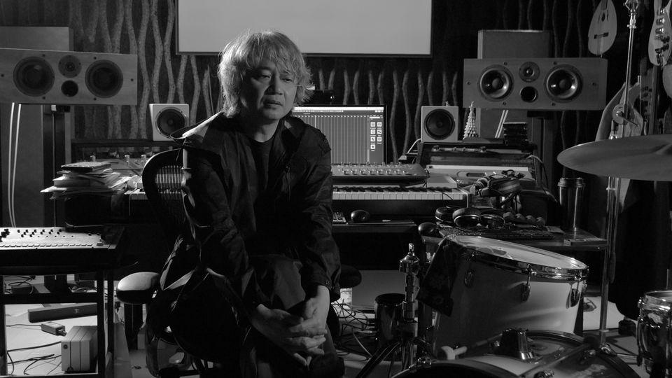 장영규는 씽씽밴드의 프로듀서이자 베이스였고 현재는 이날치 베이스로 활동하고