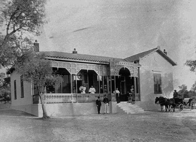 Η οικία του Π. Μελά στην Κηφισιά. Δημοσιευμένη στο: Athens 1839-1900, A Photographic Record, Benaki Museum...