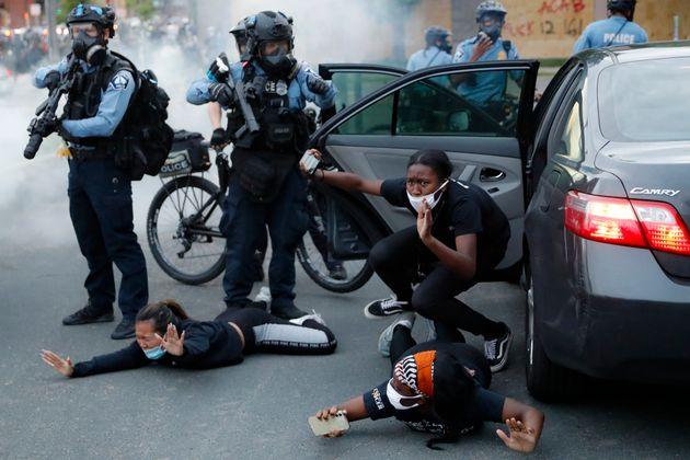 Ακόμη τρεις νεκροί στις οργισμένες διαδηλώσεις για τον Φλόιντ στις