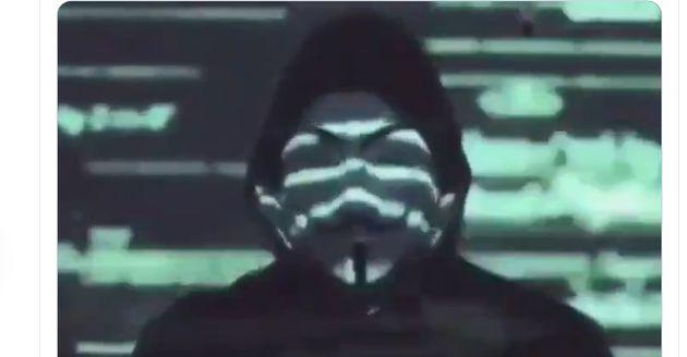 Captura del vídeo lanzado por Anonymous por el asesinato de George