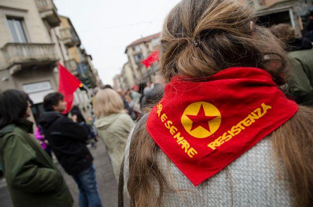 Una marcha antifascista para recordar en 2019 el día de la liberación, en Turín,