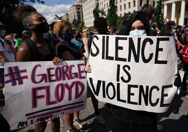 George Floyd est mort asphyxié, conclut une autopsie indépendante (manifestation proche de la Maison...