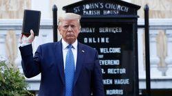 Trump mobilita l'esercito per fermare i disordini, poi mostra la