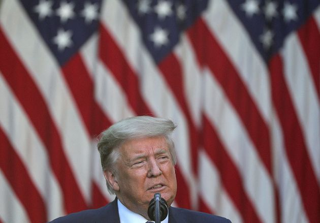 도널드 트럼프 미국 대통령이 백악관 로즈가든에서 조지 플로이드 사망으로 촉발된 시위에 대해 연설을 하고 있다. 2020년