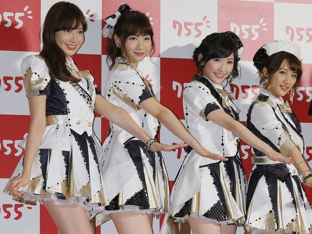(右から)高橋みなみ、渡辺麻友、柏木由紀、小嶋陽菜=2014年
