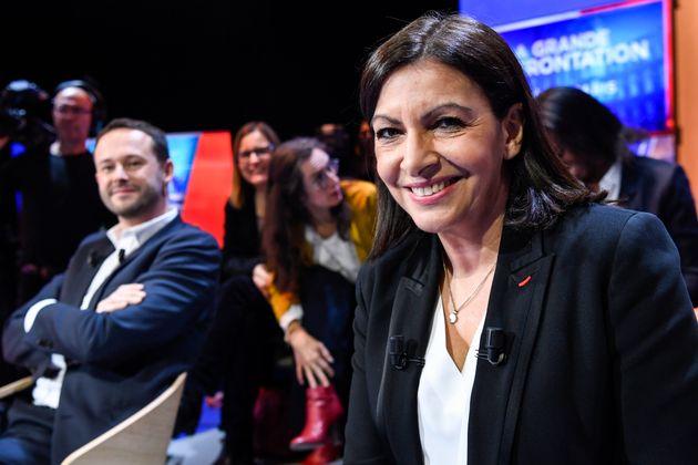 La maire de Paris Anne Hidalgo et le candidat écologiste David Belliard, lors d'un débat sur LCI avant...