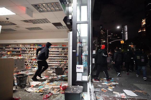 ΗΠΑ: Εθνικιστική ομάδα δήλωνε «Antifa» και καλούσε σε βία τους πολίτες μέσω