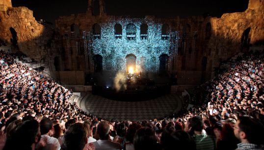 Φεστιβάλ Αθηνών: 17 παραγωγές σε Ηρώδειο και Επίδαυρο - Έναρξη με αφιέρωμα στον Θάνο