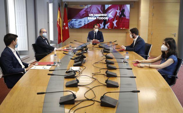 Ignacio Aguado mantiene reunion con los portavoces de los grupos parlamentarios en este lunes 1