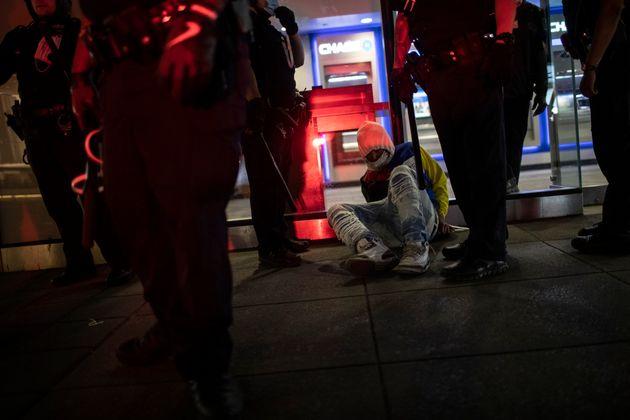 ΗΠΑ: Μεγαλώνει ο αριθμός των θυμάτων στις διαδηλώσεις για τον θάνατο του Τζορτζ