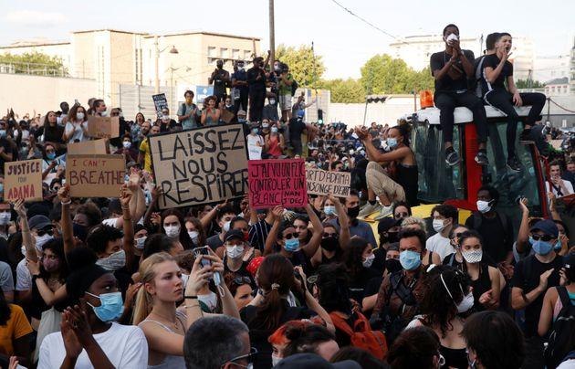 Manifestazione a Parigi in memoria di Adama