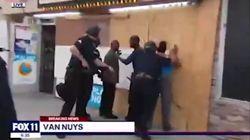 Far West a Los Angeles: saccheggio nel negozio, la polizia arresta i proprietari neri