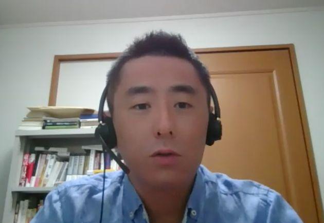 オンラインでの取材に答える東京工業大の中島岳志教授