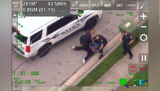 Νέο βίντεο με αστυνομικό που πιέζει με το γόνατο Αφροαμερικανό στο