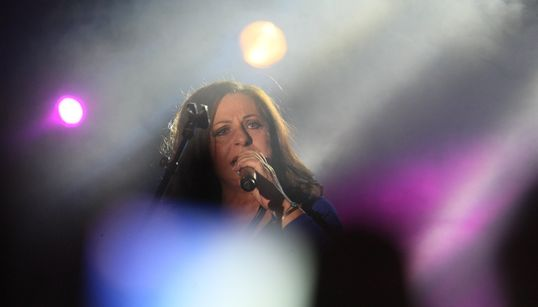 Η Χάρις Αλεξίου αποσύρεται από το τραγούδι: «Δεν μπορώ να τραγουδήσω όπως