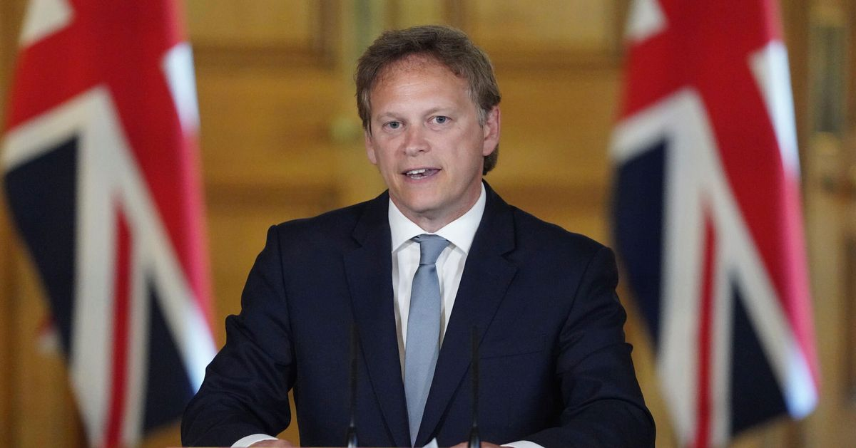 Face Coverings Mandatory On Public Transport From June 15, Says Grant Shapps