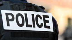 """Un policier traité de """"vendu"""" parce que noir dépose"""