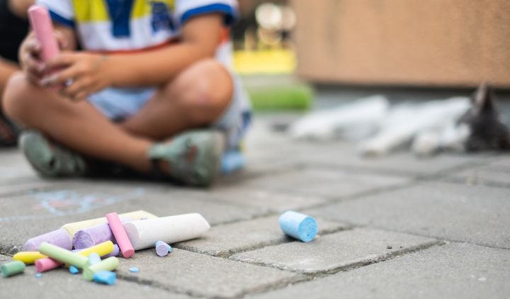 Blogger Sachi Feris suggested that children could make chalk drawings or signs in support of the Black Lives Matter movement.
