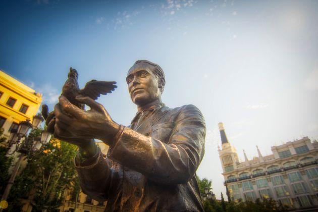 Estatua de Federico García