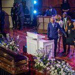 La cérémonie poignante en hommage à George Floyd, entre émotion et discours