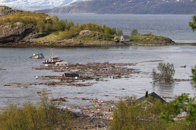 6월3일 노르웨이 알타 사고 현장 잔해의