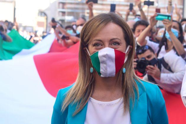 Per dialogare con Giuseppe Conte, Giorgia Meloni vuole lo