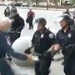 75歳のデモ参加者が警官に押され転倒、頭部から流血。知事は「全くもって恥ずべきこと」 (Black Lives