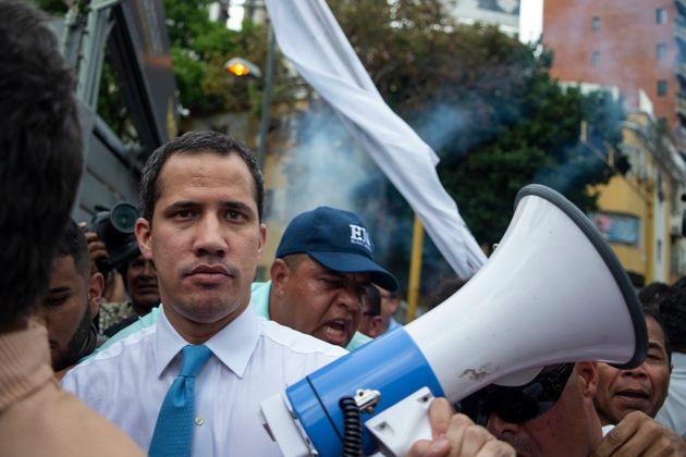 Juan Guaido durant une marche à Caracas le 10