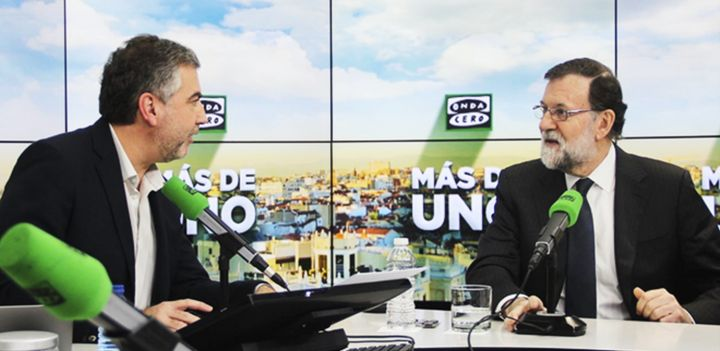 Carlos Alsina entrevista a Mariano Rajoy cuando era presidente.