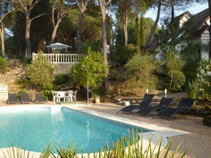 Casa de alquiler con piscina en Madrid.