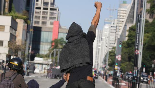 Orientação contra aglomerações e temor de reação arbitrária dividem apoio a protestos
