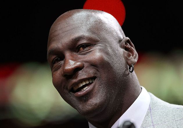Michael Jordan dona 100 milioni di dollari per la lotta contro il
