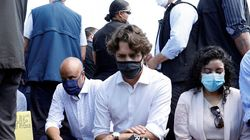 El gesto de Justin Trudeau junto a manifestantes que protestaban contra el racismo en