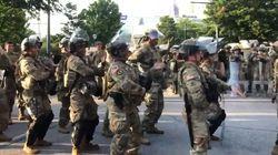 À Atlanta, la garde nationale danse la macarena avant le