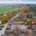 To πανέμορφο σουηδικό χωριό με ιαματικές πηγές που πωλείται σε τιμή