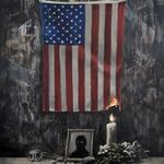 バンクシー「これは白人の問題だ」 燃える星条旗を描く作品を公開