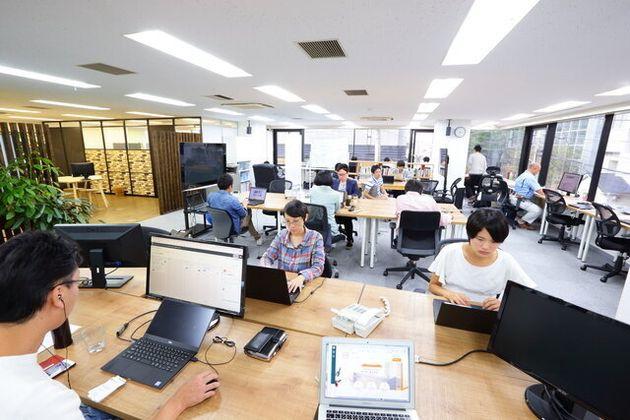 解約前、東京・五反田に構えていたオフィス。柔軟な働き方を取り入れてはいたものの、特に営業やサポート担当は、出社が基本だった。
