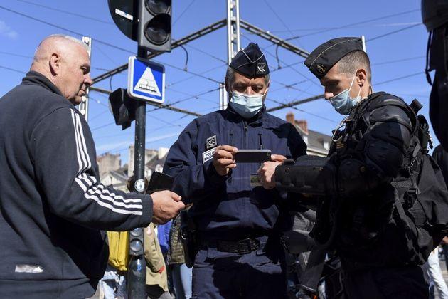 85% des Français ont une bonne image des forces de l'ordre, selon cette étude commandée...