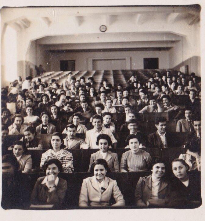 Μεγάλο αμφιθέατρο Φιλοσοφικής Σχολής ΑΠΘ, 1953, τάξη