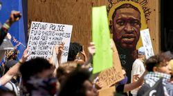Minneapolis smantella la polizia dopo l'uccisione di George