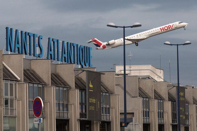 Le premier avion redécollant de l'aéroport de Nantes Atlantique, le 8 juin