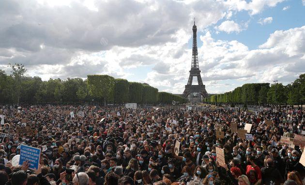 Les manifestations contre le racisme et les violences policières alors que l'épidémie...