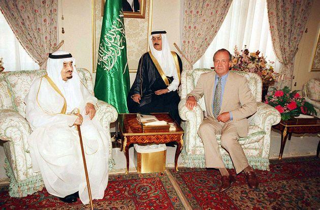 Imagen de archivo del rey Fahd y Juan Carlos I en