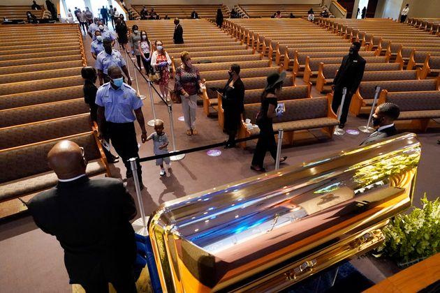 Mort de George Floyd: la caution du policier Derek Chauvin fixée à 1 million de