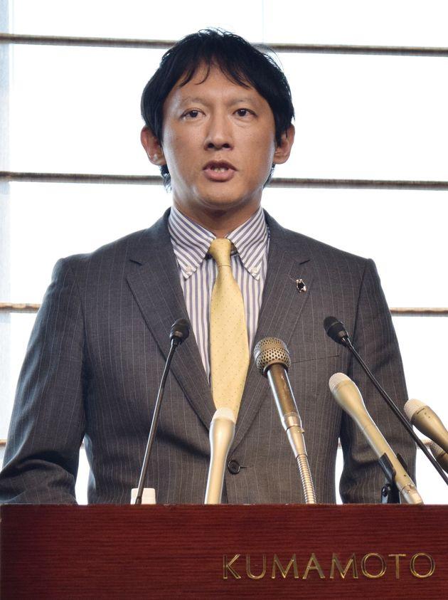 東京都知事選への立候補を表明した熊本県の小野泰輔元副知事=6月2日日午後、熊本市中央区