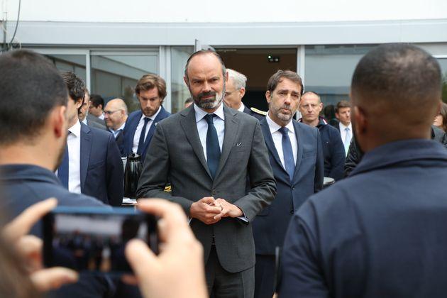 Édouard Philippe et Christophe Castaner, au siège de la police d'Évry, le 9 juin