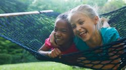 Πώς μπορούμε να μιλήσουμε στα παιδιά μας για τον ρατσισμό και τη