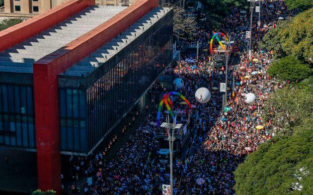 Anualmente, evento reúne cerca de 3 milhões de pessoas na Avenida